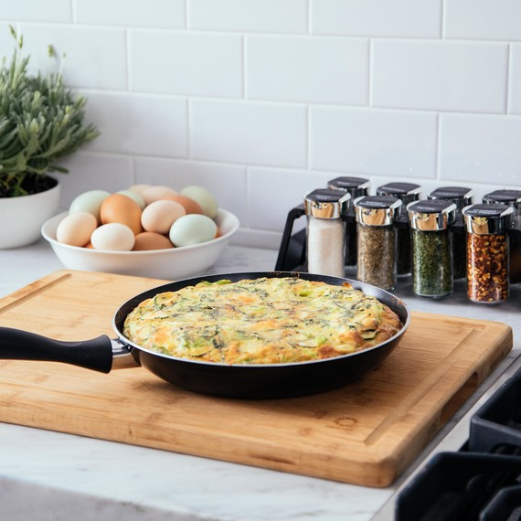 macys cookware pan with frittata