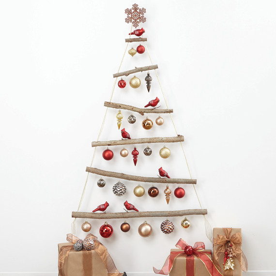 thd-hht-holiday-ornamenttree-07-1114.jpg