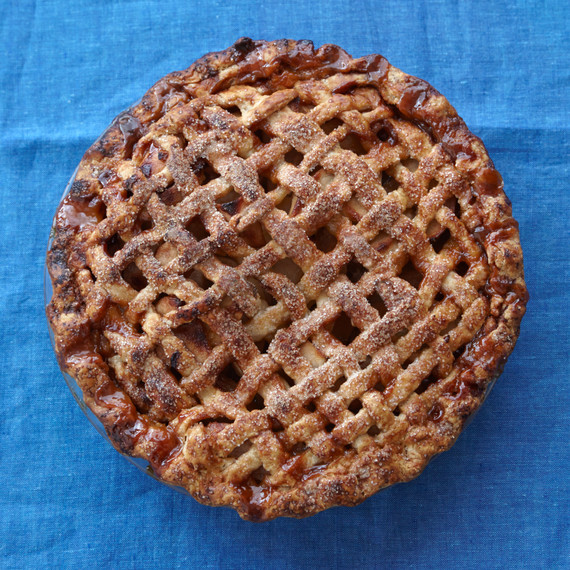 caramel-apple-salted-pie-0043-d112283.jpg