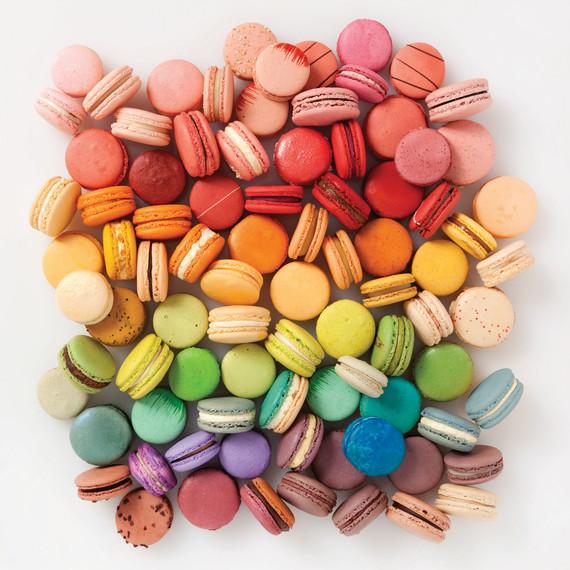 rainbow-colored-macarons