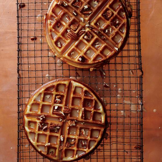 mapple-brown-butter-waffles-med107616_vert.jpg (skyword:355214)