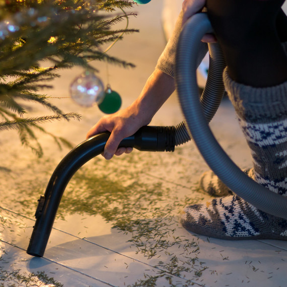 Christmas Tree Clean-Up: How to Tidily Take Down A Real Tree