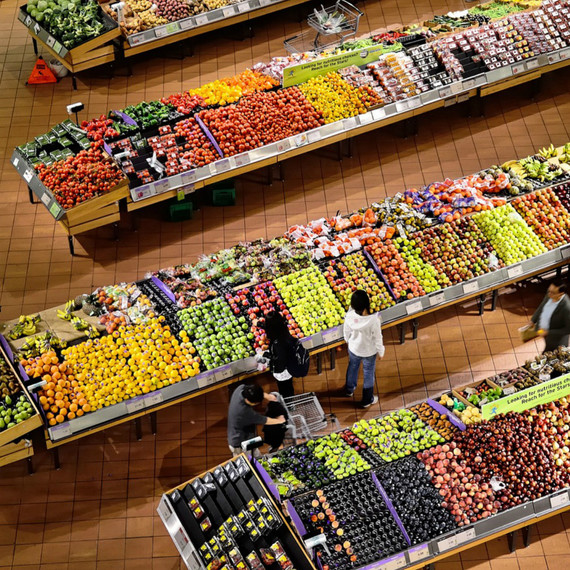 The Real Reason Why Grocery Stores Spray Produce with Water Will Surprise You
