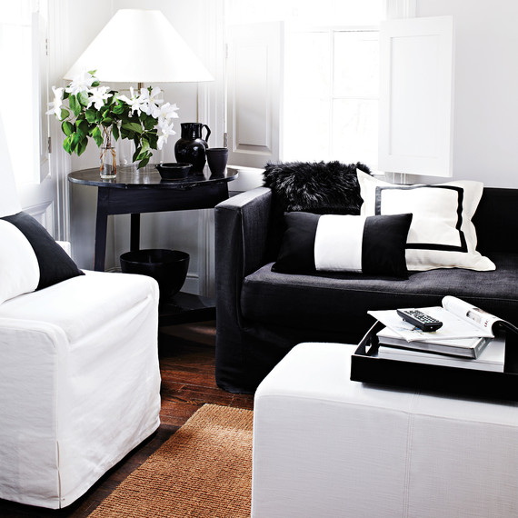 black-white-living-room-2-9384-d113008.jpg