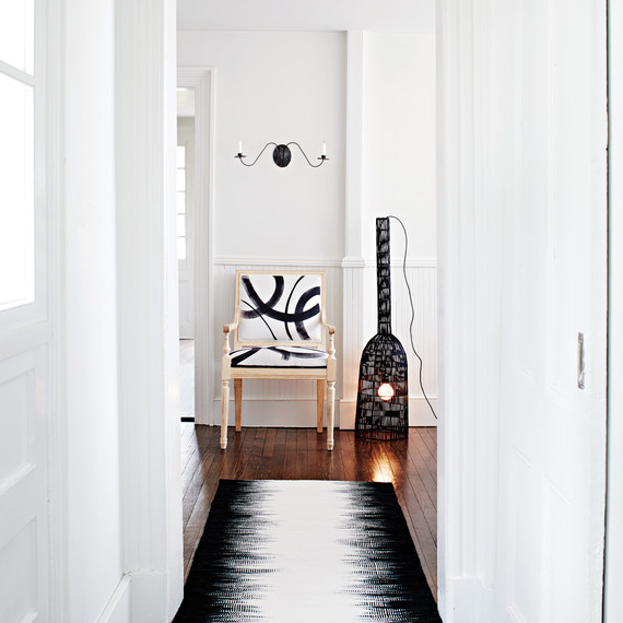 black-white-painted-chair-9406-d113008.jpg