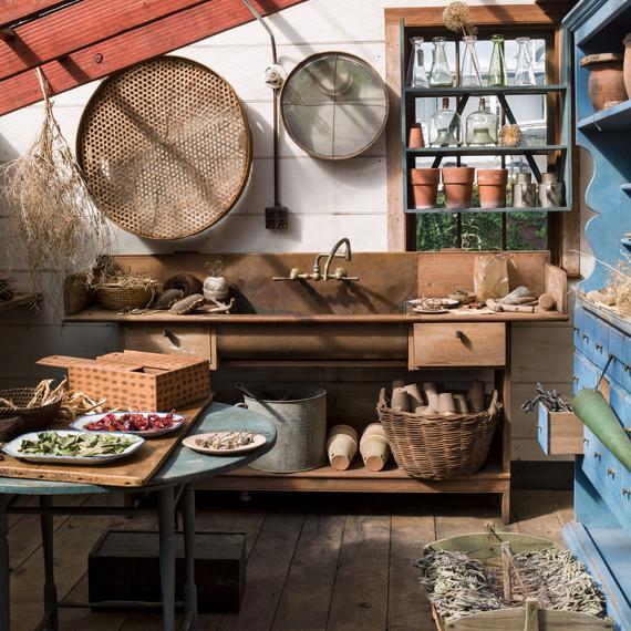 hoffman woodward seed room