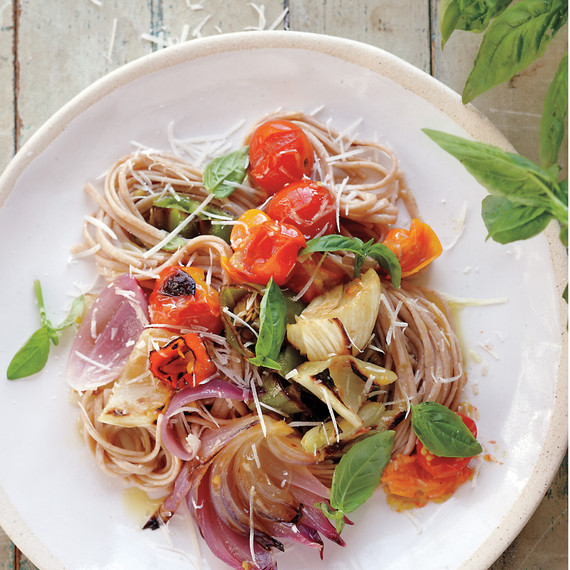 small-garden-vegetable-pasta-mbd107959.jpg