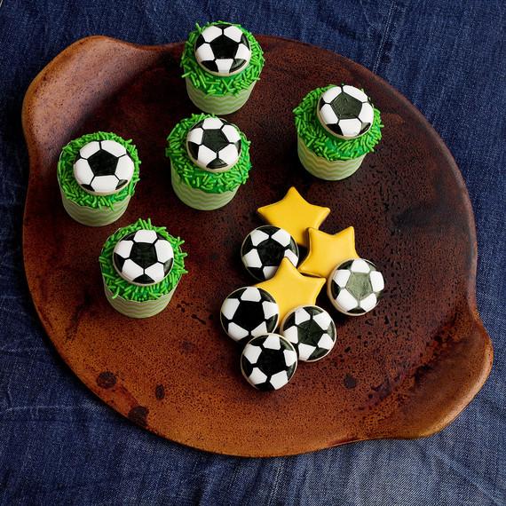soccer-cupcakes--soccer--cupcakes-1015.jpg (skyword:196151)