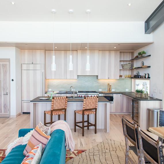 Northstar-Condo-2_Living-Room---Kitchen_026--1-.jpg (skyword:248933)