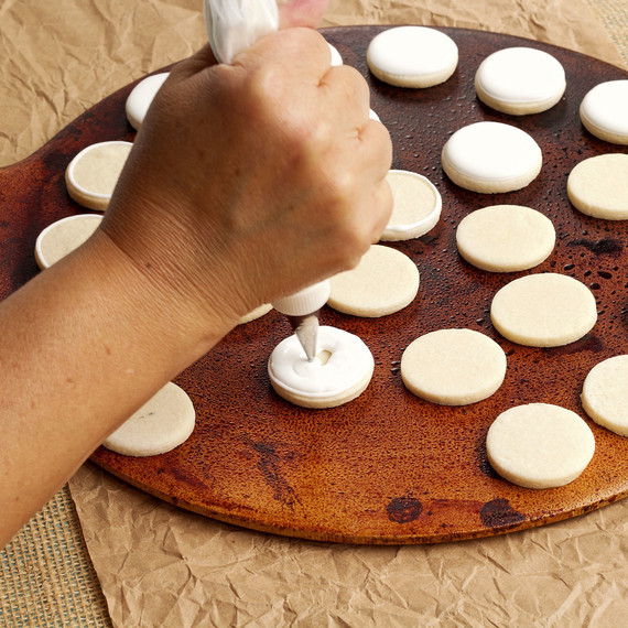 cupcakes--soccer--soccer-cupcakes--1015.jpg (skyword:196152)