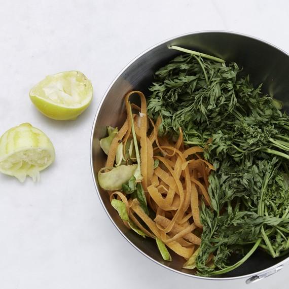 food-scraps-in-bowl-lemons-0617-6378406