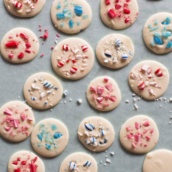 peppermint-bark-dots-candy-aisle-crafts