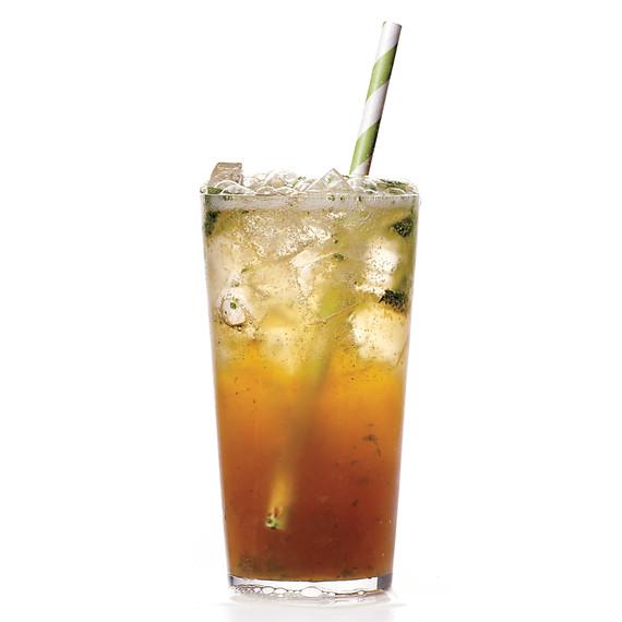 pomegranate-molasses-soda-084-mld110518.jpg
