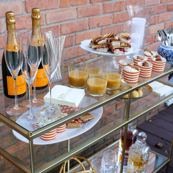thanksgiving-barcart-friendsgiving-1116.jpg (skyword:364496)