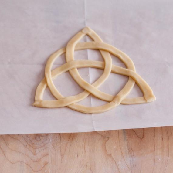 finished celtic knot