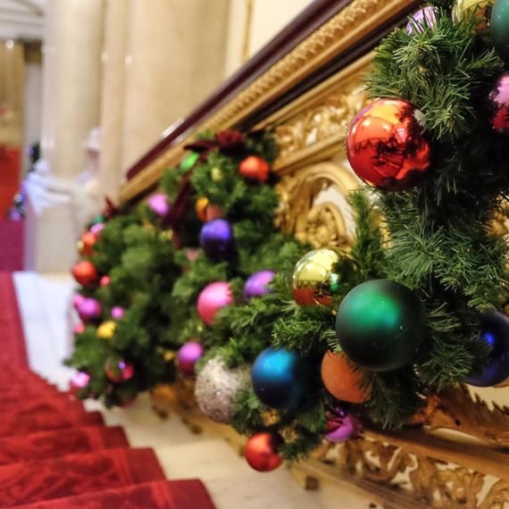 Buckingham Palace Christmas decorations