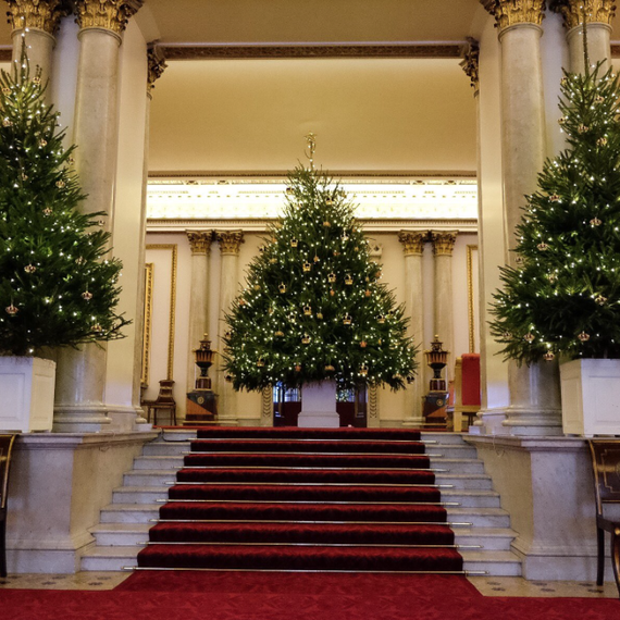 Whitehouse Christmas Photos >> Buckingham Palace Just Gave a Sneak Peek of Their Christmas Decorations | Martha Stewart