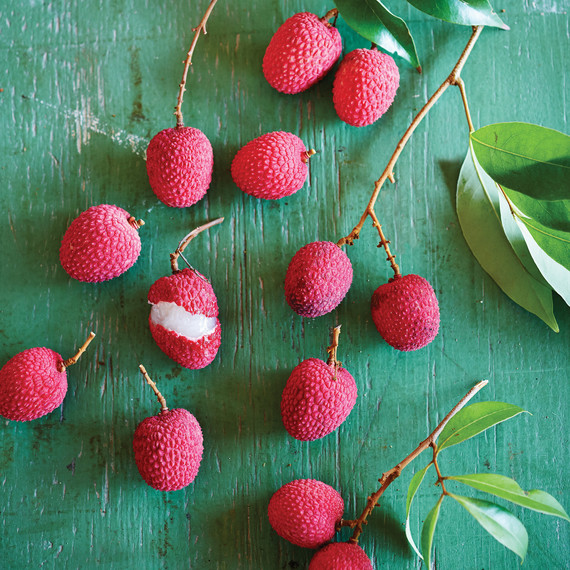 glossary-other-tropical-fruit-043-d112247.jpg
