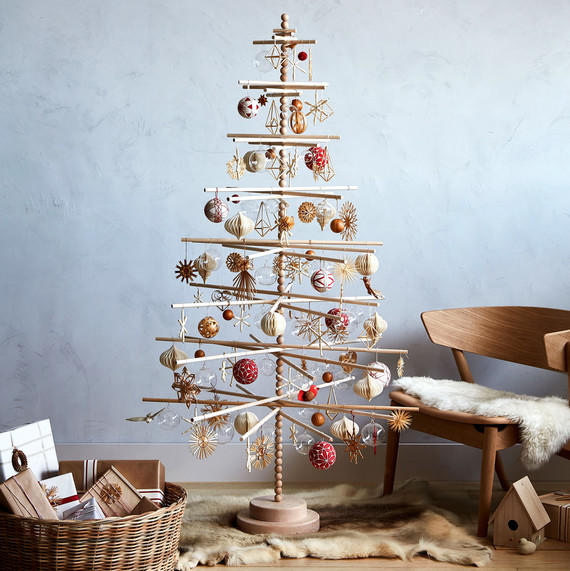 Christmas Tree Sweden: How To Decorate A Wooden Christmas Tree In Scandinavian
