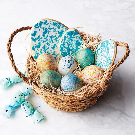 splattered-eggs-easter-basket-212-d112668.jpg