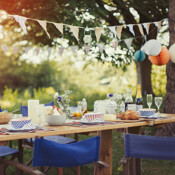 17 Lovely Outdoor Garden Design Ideas 2018: 7 Tips For Throwing The Perfect Garden Party