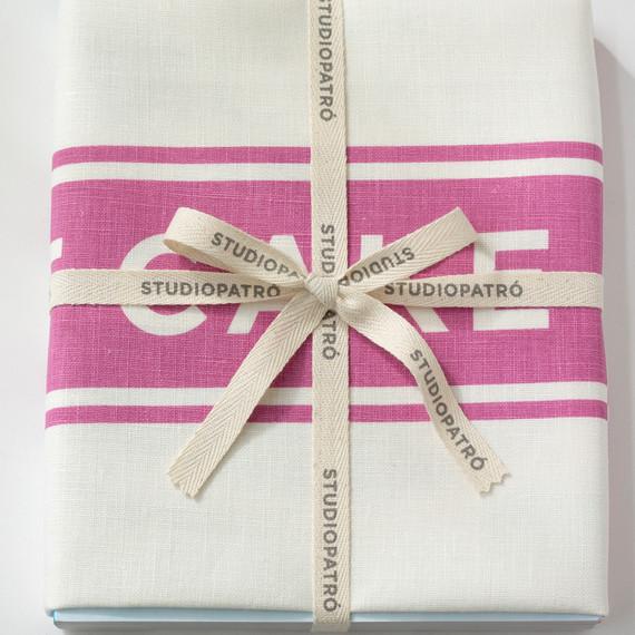 studiopatro-cake-towel-wrap-final2-am-0314.jpg