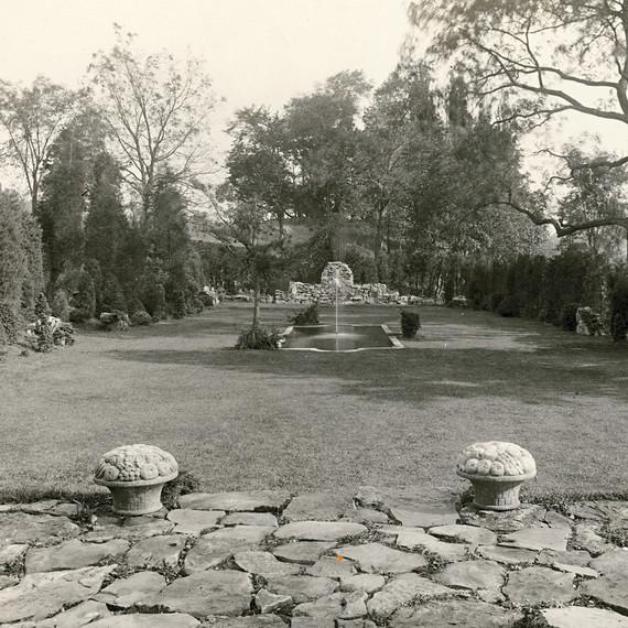 vintage-photo-ely-evergreen-garden-s112259.jpg