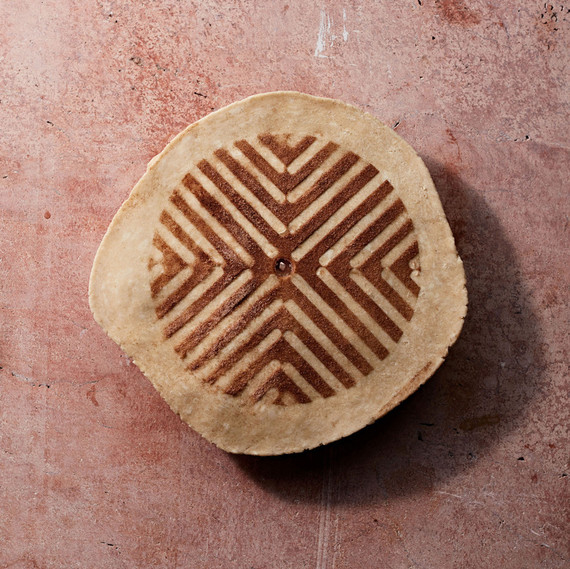 Make Your Thanksgiving Pie Truly Impressive with a Stenciled Top Crust