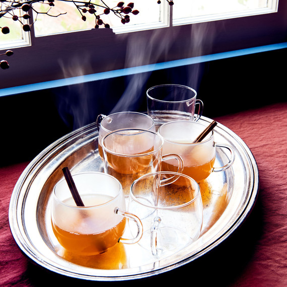 mulled lillet wine with cinnamon sticks
