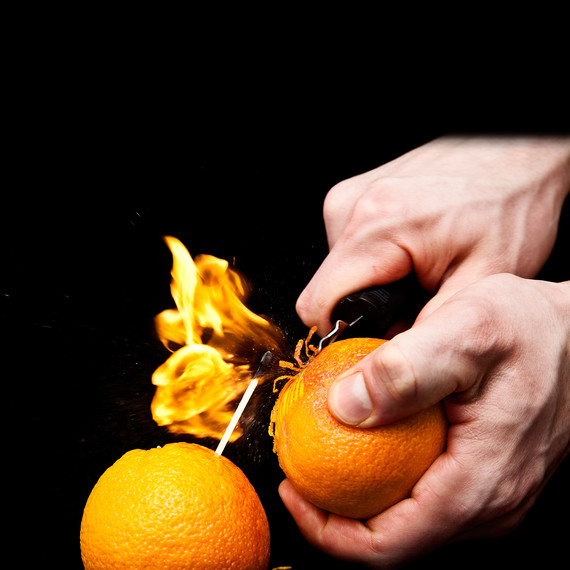 orange-oil-aflame-modernist-cuisine-s111076.jpg