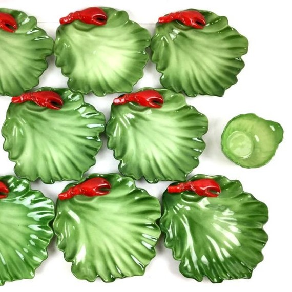 Smitty's Antiques Museum lettuce plates