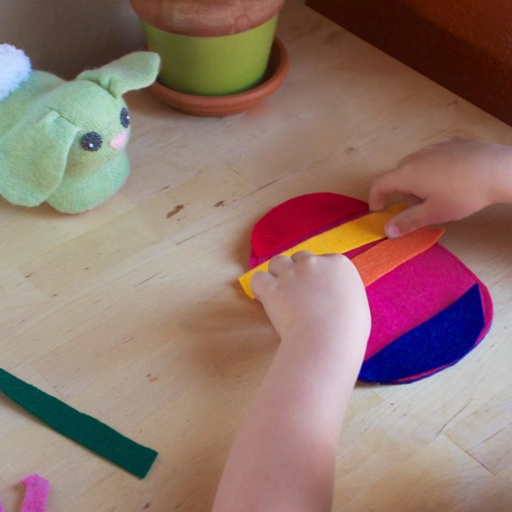 Rainbow felt Easter egg craft