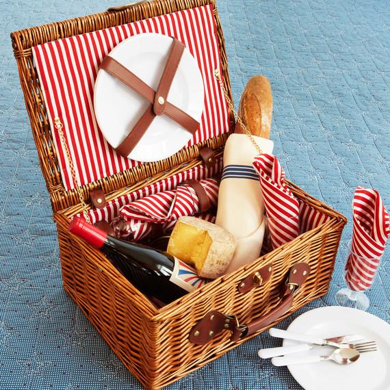 msmacys-starspangledquilt-picnic-retail-0614.jpg