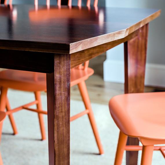 04-dining-table-detail-freeport-farmhouse-1112.jpg (skyword:201681)