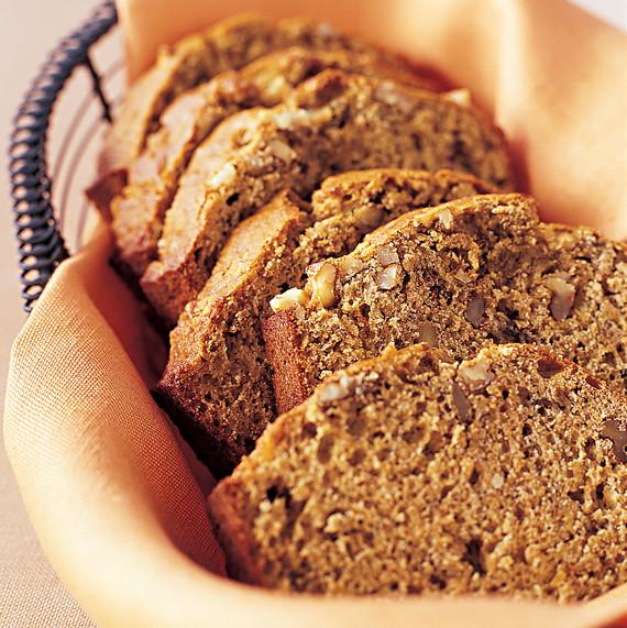 ml0404ftea4_0404_banana_bread_walnuts_flaxseed.jpg