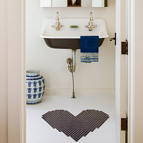 guest bathroom heart tiles