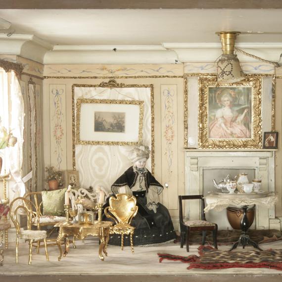 Amy Miles' House antique dollhouse