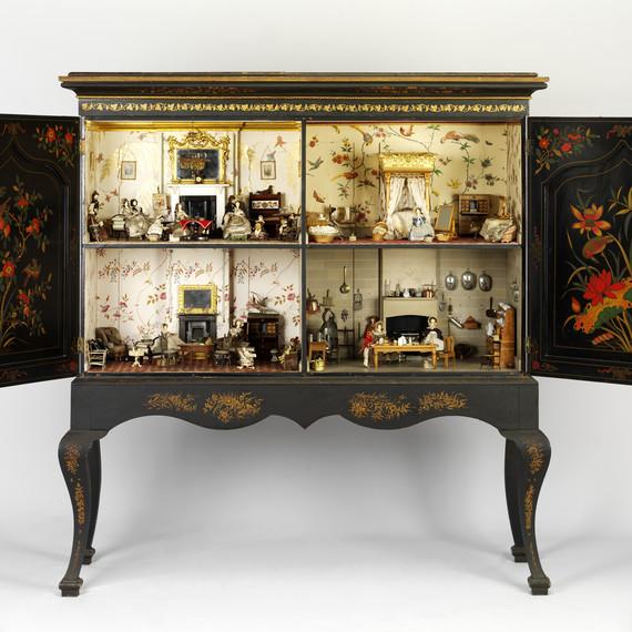 Killer Cabinet Dolls' House antique dollhouse