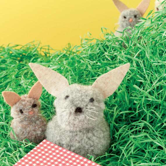 pom-pom-animals-kids-craft-9780307954749-045-0001.jpg