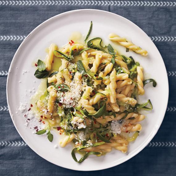 mint-pasta-with-zucchini-pecorino-159-exp-2-d111259.jpg