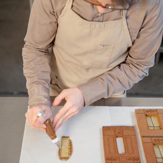 downton-gingerbread-gluing-windows-9647-d111800-1214.jpg