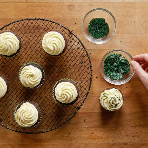 piebox-contributor-irish-stout-cupcakes-sprinkles-0314.jpg