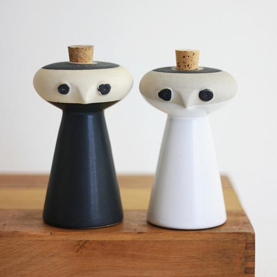 pottery vintage salt and pepper shaker