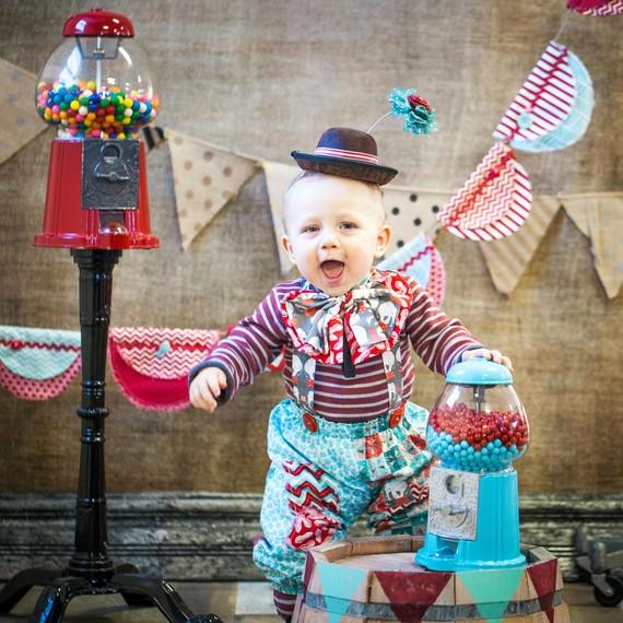 vintage circus kids party portrait backdrop