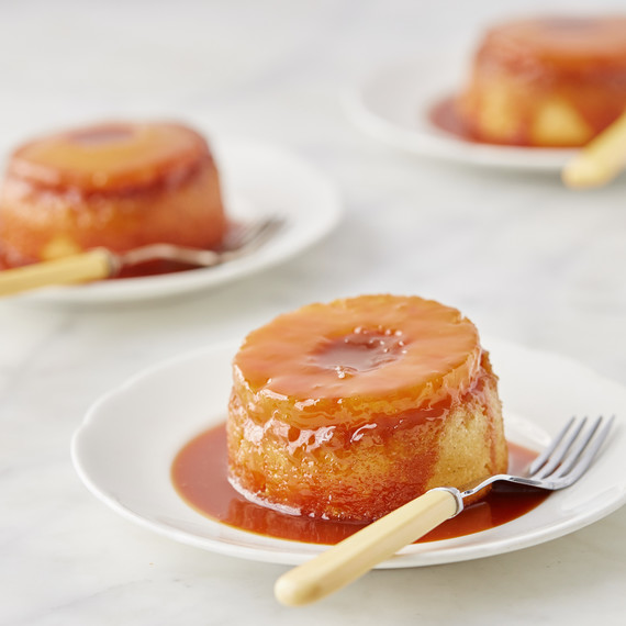 featured-recipe-pineapple-upside-down-cakes-208-vert-d113085.jpg