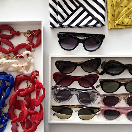 halloween costume accessories necklaces sunglasses