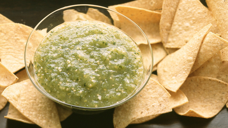 salsa verde with chips