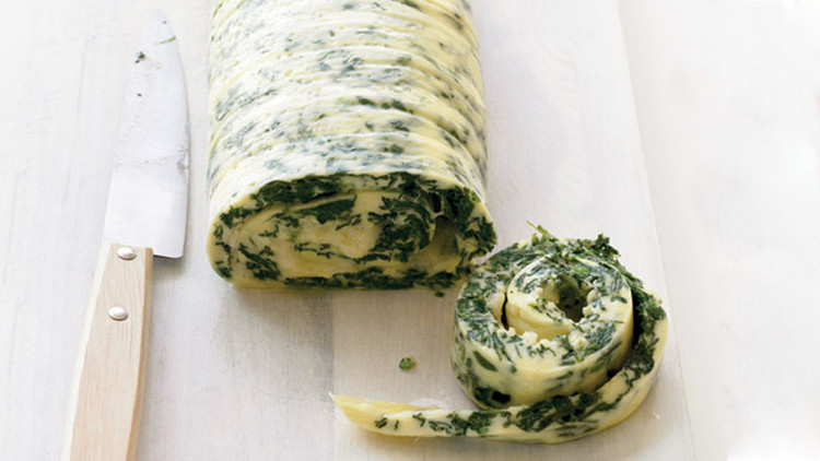 rolled spinach cheddar omelet