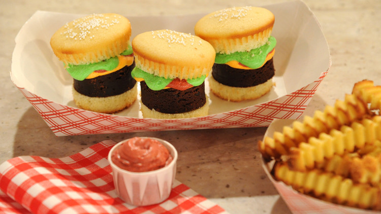 Hamburger Cupcakes with Pound Cake Fries