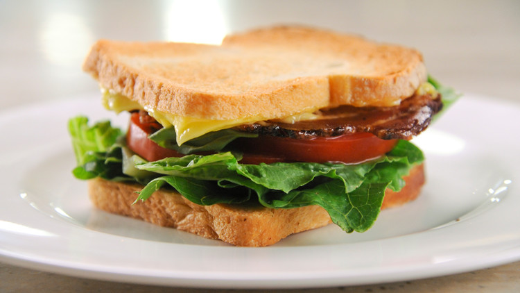 perfect blt sandwich mscs107_horiz